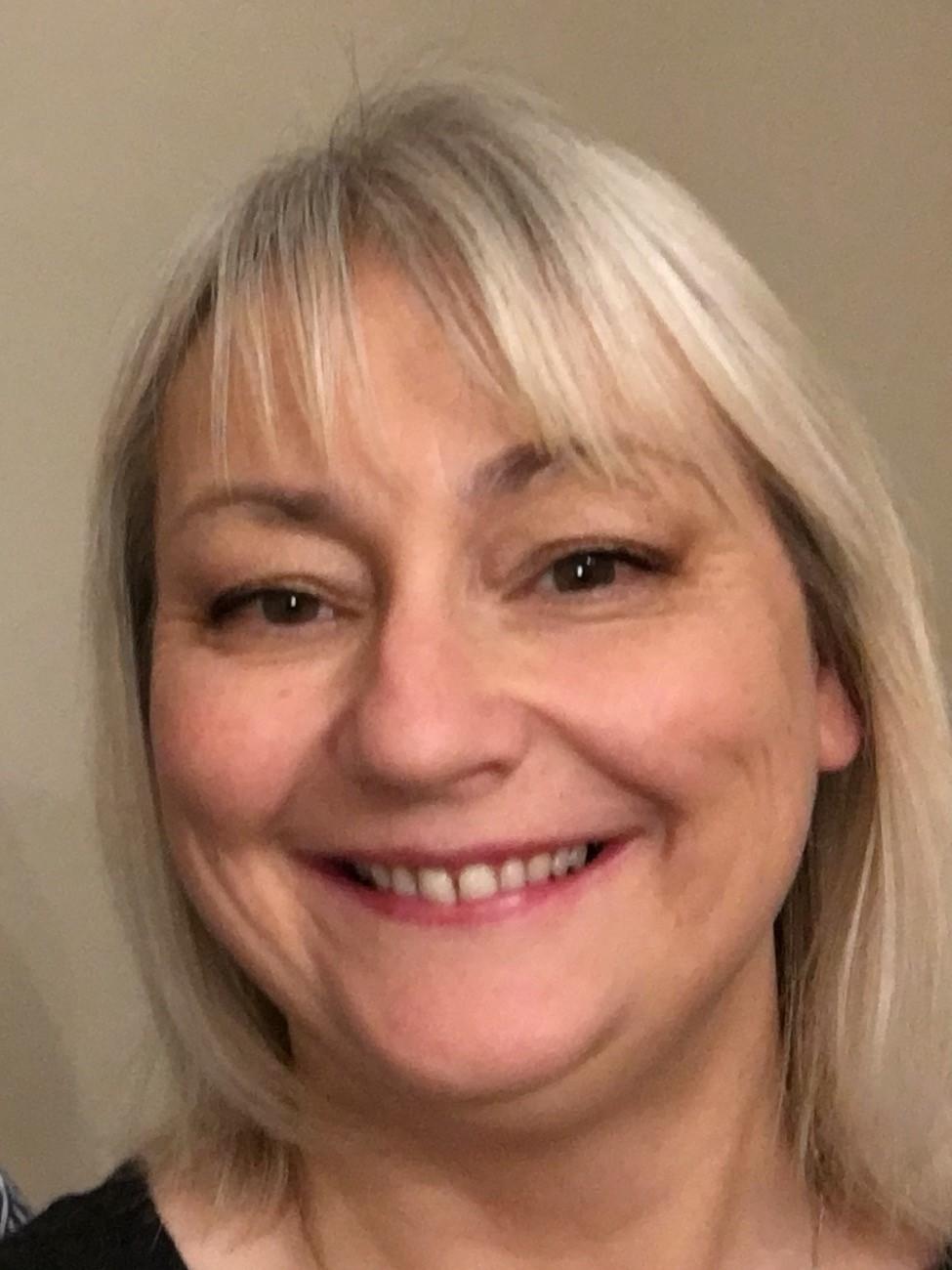 Julie Lowe